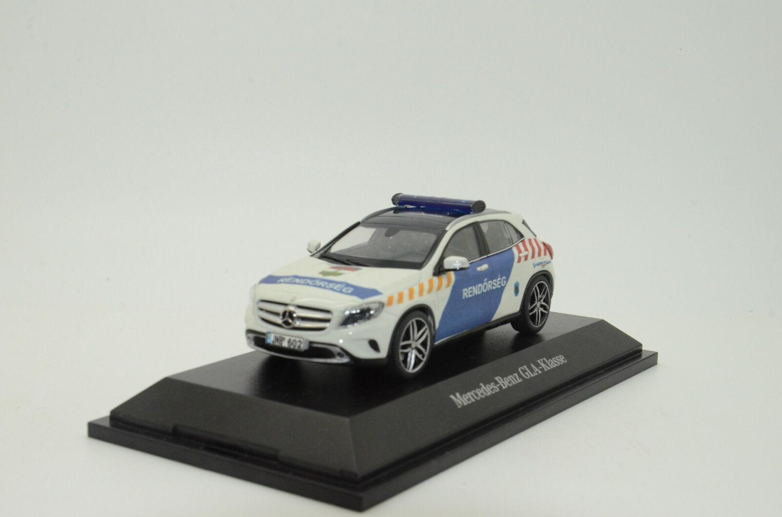 rara Mercedes GLA rendorseg rendőrség Hungría policía Hecho a Medida 1/43