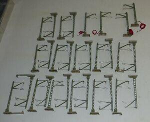 30-tlg-Maerklin-Mast-Konvolut-geschraubter-Sockel-hpsl-kurz-tlw-Kabel-H0