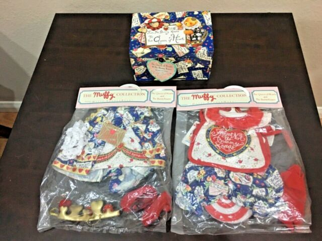 Vanderbear Hoppy & MuffyThe Queen of Hearts Collection costumes outfit