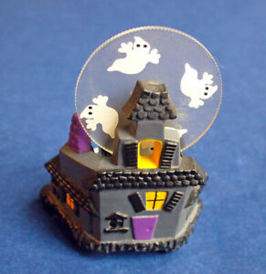 Hallmark-PIN-FIGURINE-Halloween-Vintage-Haunted-House-BAT-Ghosts-Holiday-Brooch