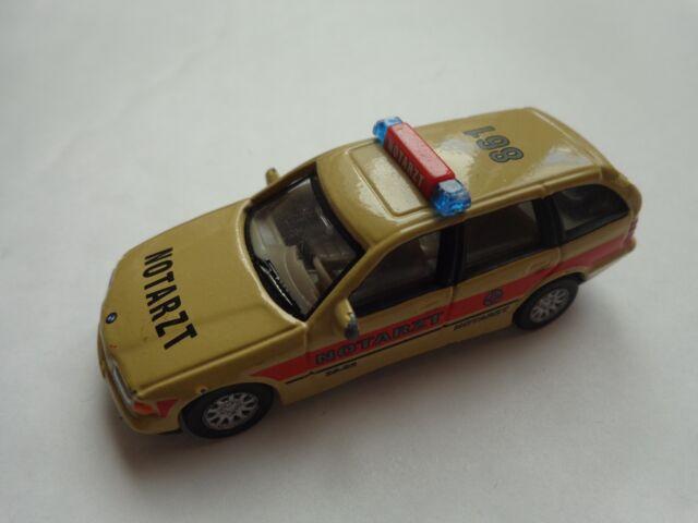 1/72 CARARAMA Classic-BMW 325I Emergency Ambulance Diecast Voiture Modèle