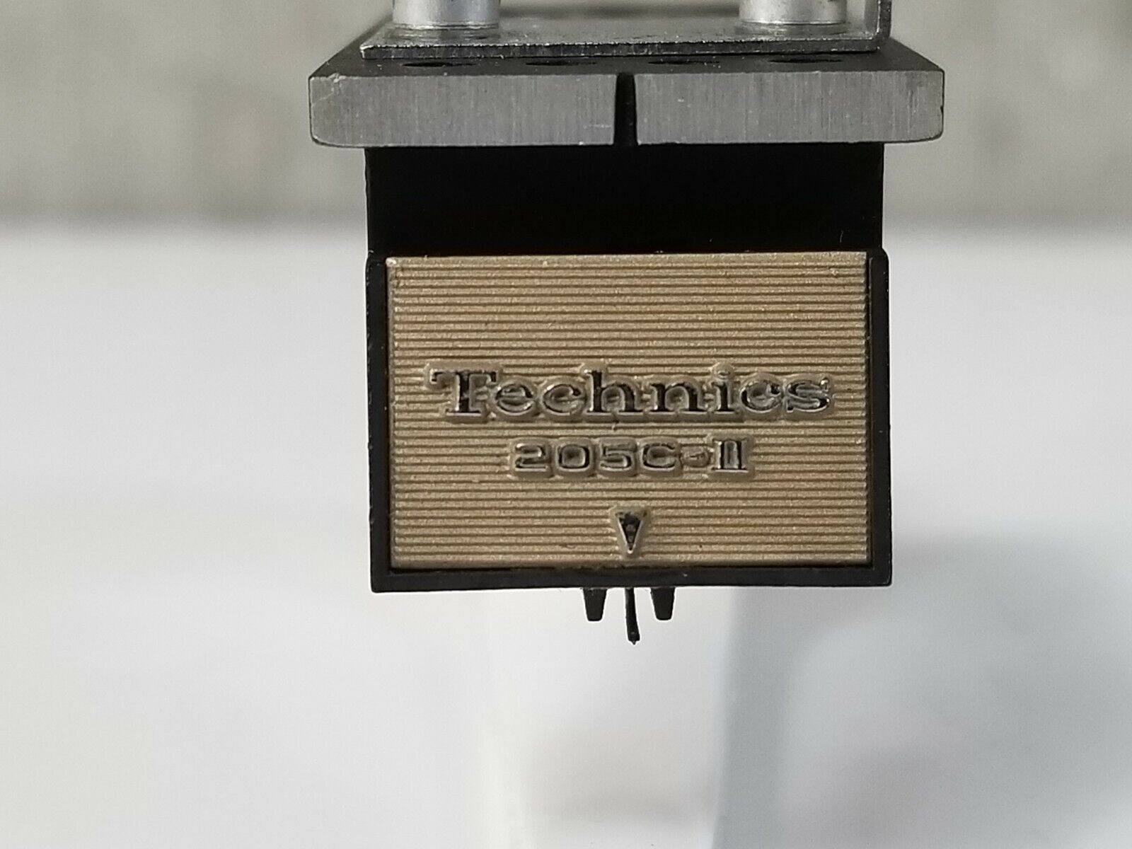 Technics EPC-205C-II Cartridge with Grace Head shell in VG Condition