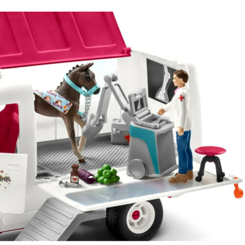 42370 HORSE BOX STALL COMBO 42368 NEW SCHLEICH HORSE CLUB MOBILE VET CLINIC