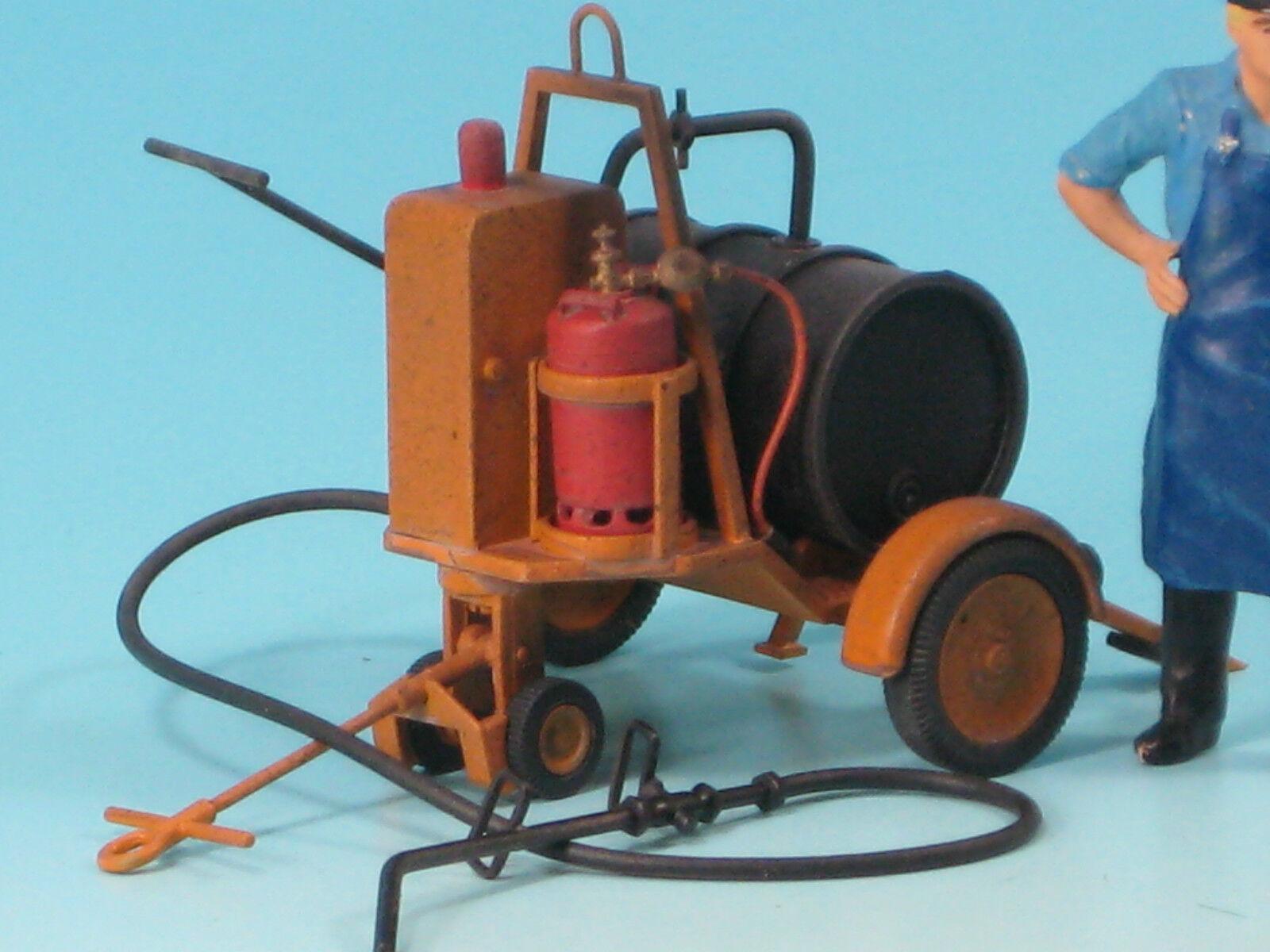 Unbemalter Bausatz  Teerspritzwagen, Spritzmaus  im Maßstab 1 22,5 (85100 B)  | Sehr gute Farbe