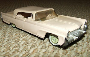 Rare 1958 LINCOLN CONTINENTAL Automobile Car Dealership Promo Model Friction Car