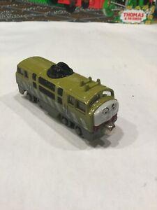DIESEL 10~Thomas & Friends Take Along And Play Diecast Metal Train 2002~NO ARM~