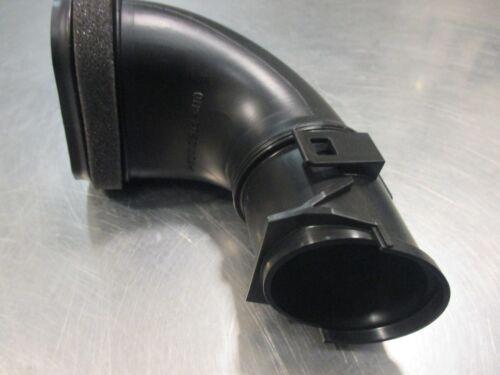 Mazda 3 2012-2013 air cleaner box tube PE07-13-202