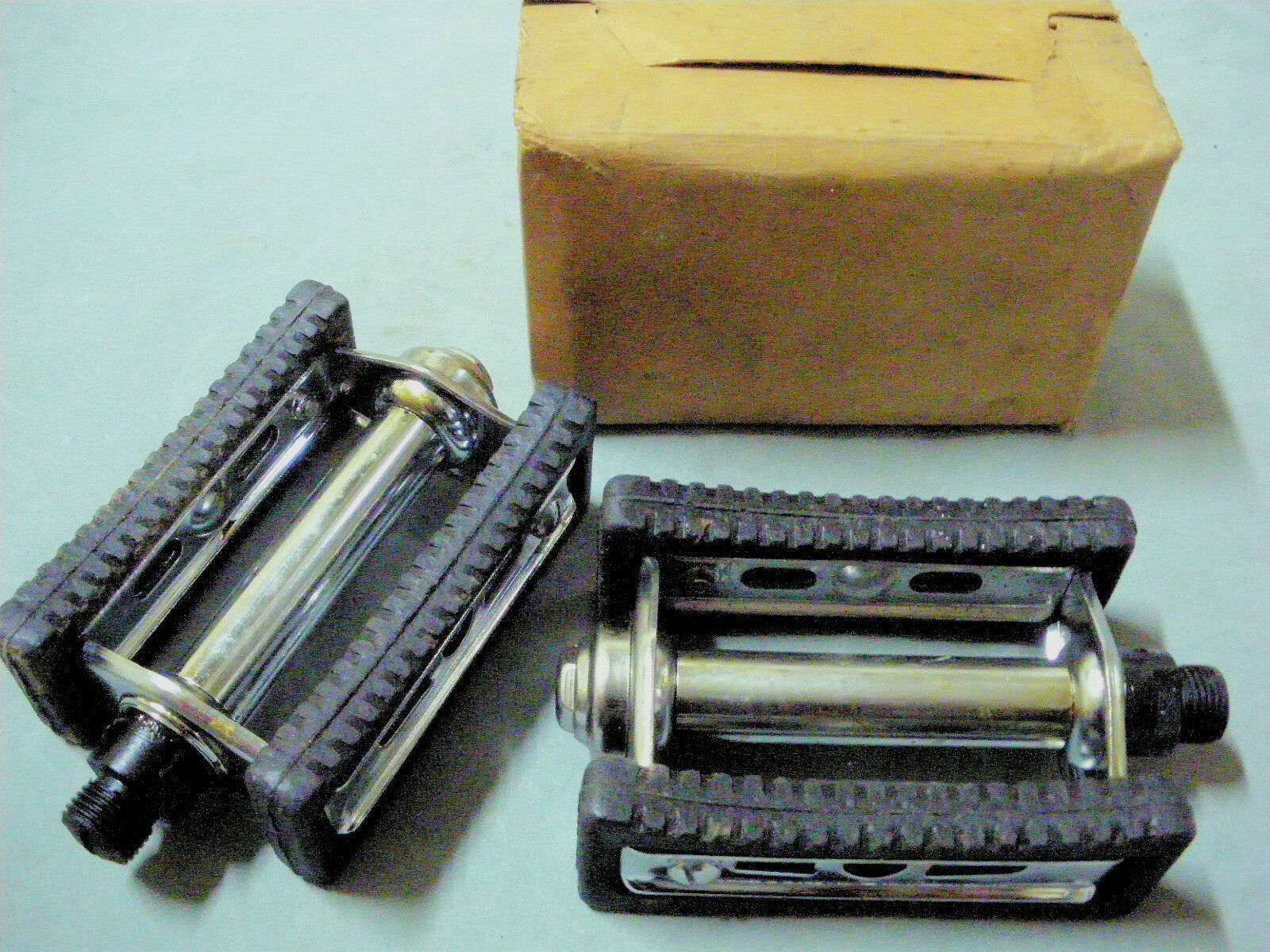 Vintage Raleigh or Phillips TYPE 202 Bicycle Pedals 9 16  Axle NOS 1960s GERMANY