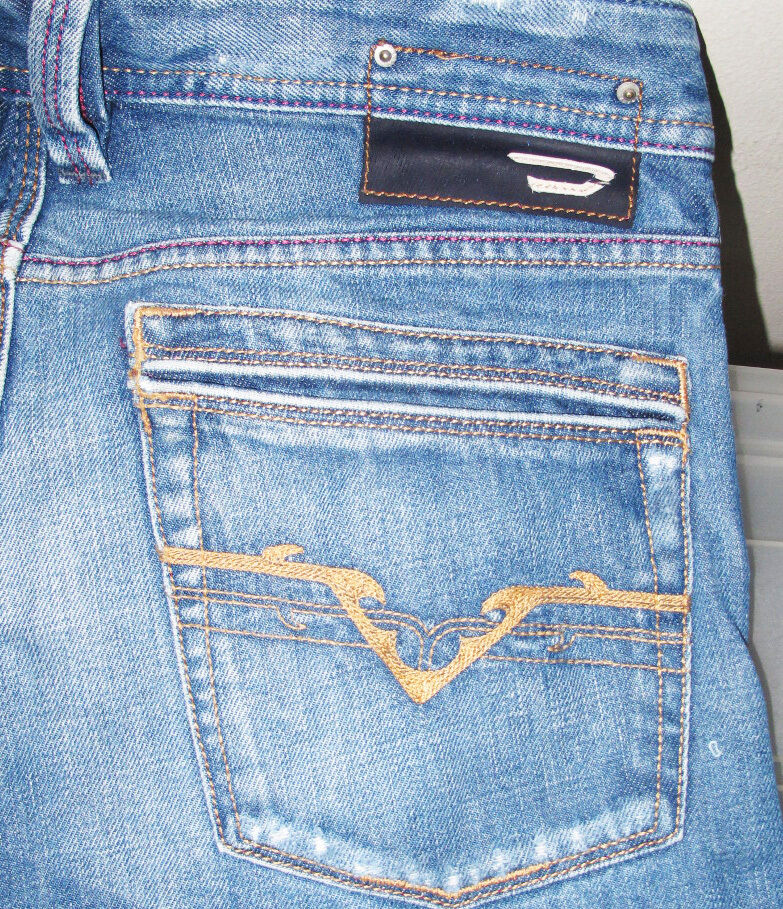 HOT 100% AUTHENTIC Men's DIESEL @ YARIK Art 772 STRAIGHT LEG Denim Jeans 28 x 30