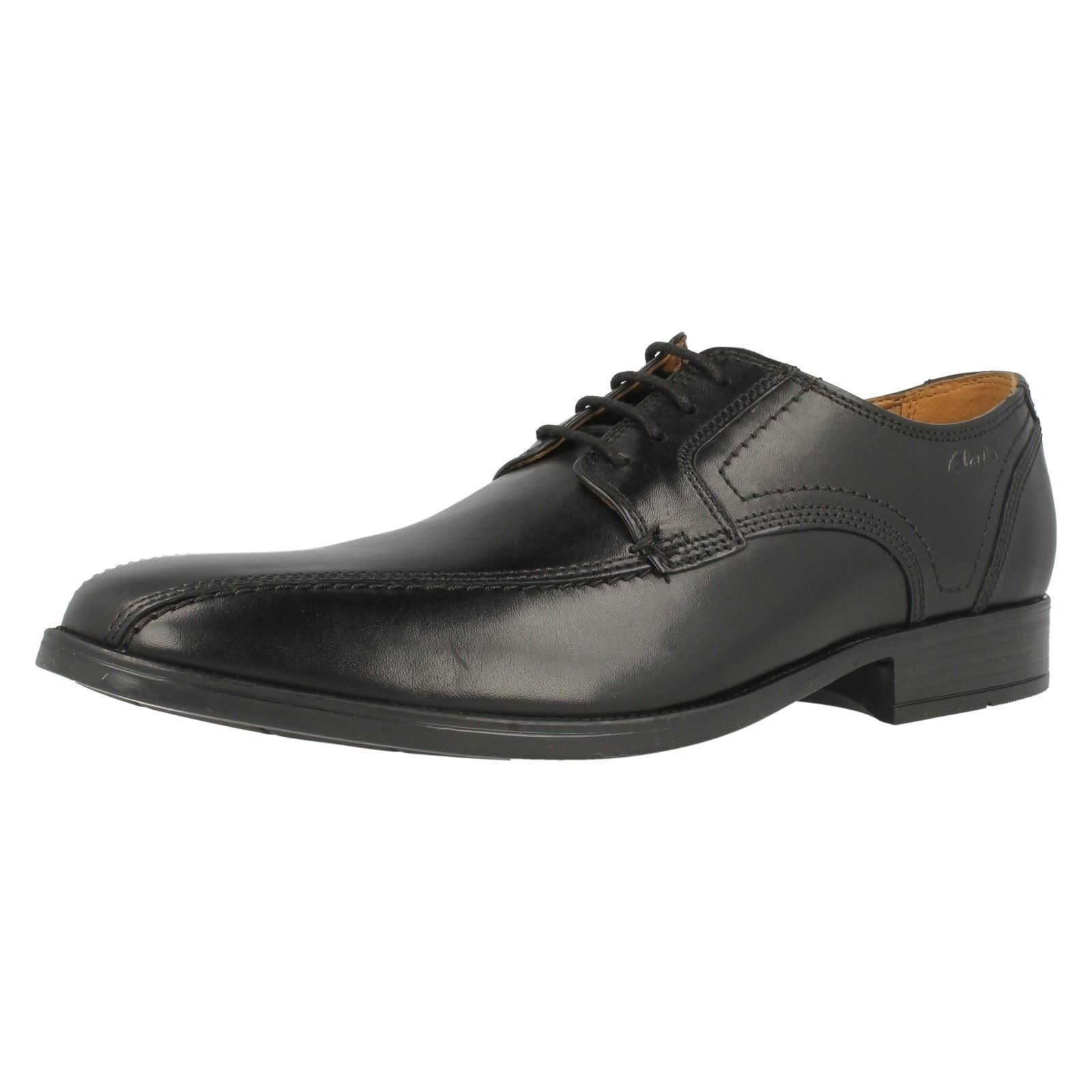 CLARKS KALDEN VIBE LACE UP SHOES