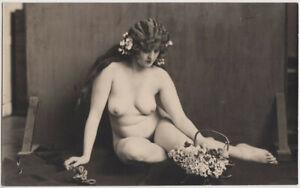 Original-vintage-1920s-Austrian-nude-reflecting