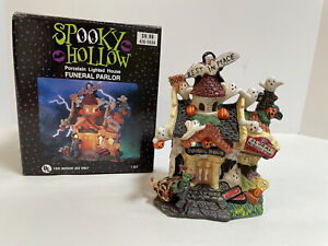 2001 Vintage Halloween Spooky Hollow Haunted Funeral Parlor House Lighted * Read