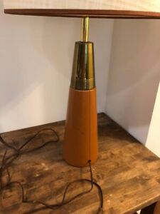 Mid-Century-modern-Leather-based-lamp