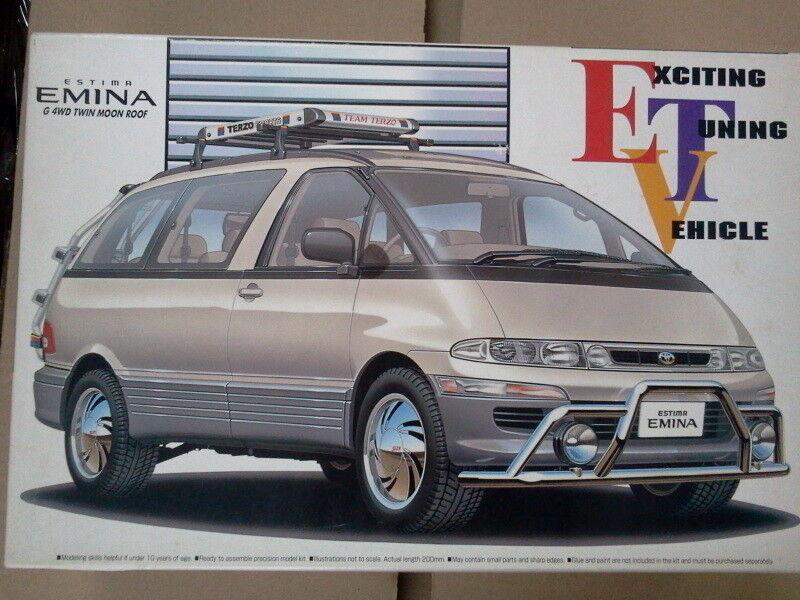 TOYOTA ESTIMA MINI VAN PREVIA EMINA 4WD TWIN MOON ROOF1 24 modelkit AOSHIMA