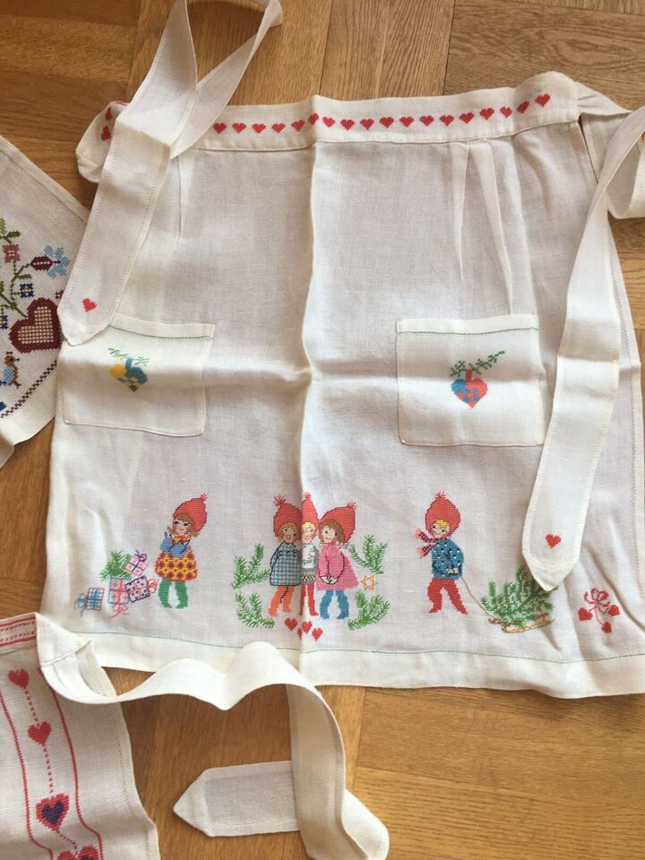 Broderede juleforklæder