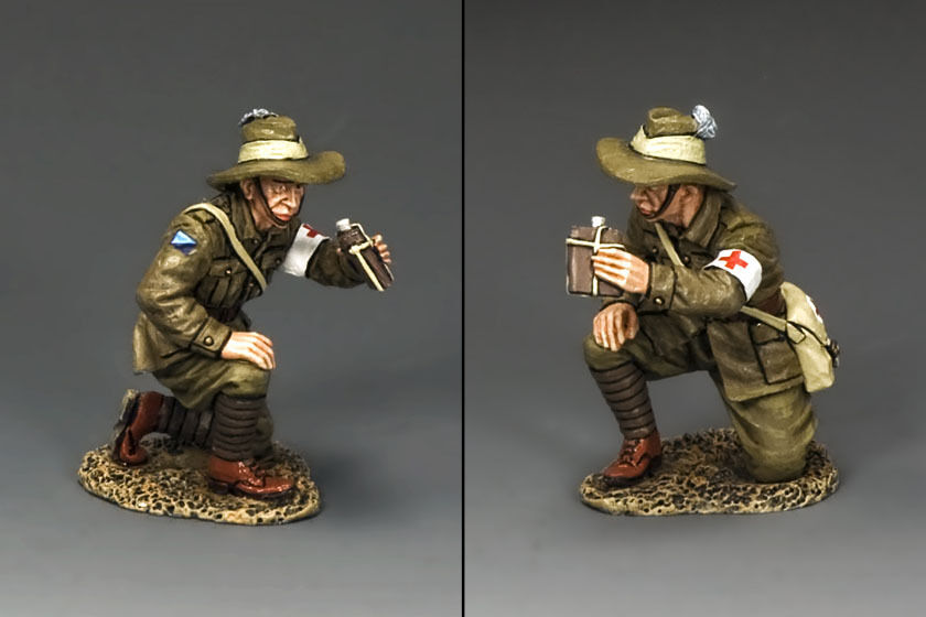 KING AND COUNTRY AUSTRALIAN LIGHT HORSE Kneeling Medic AL61 AL061