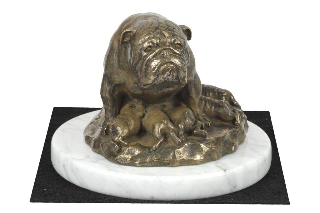 Bulldog inglese tipo 2 - figurina con un cane su marmo bianco Art Dog IT