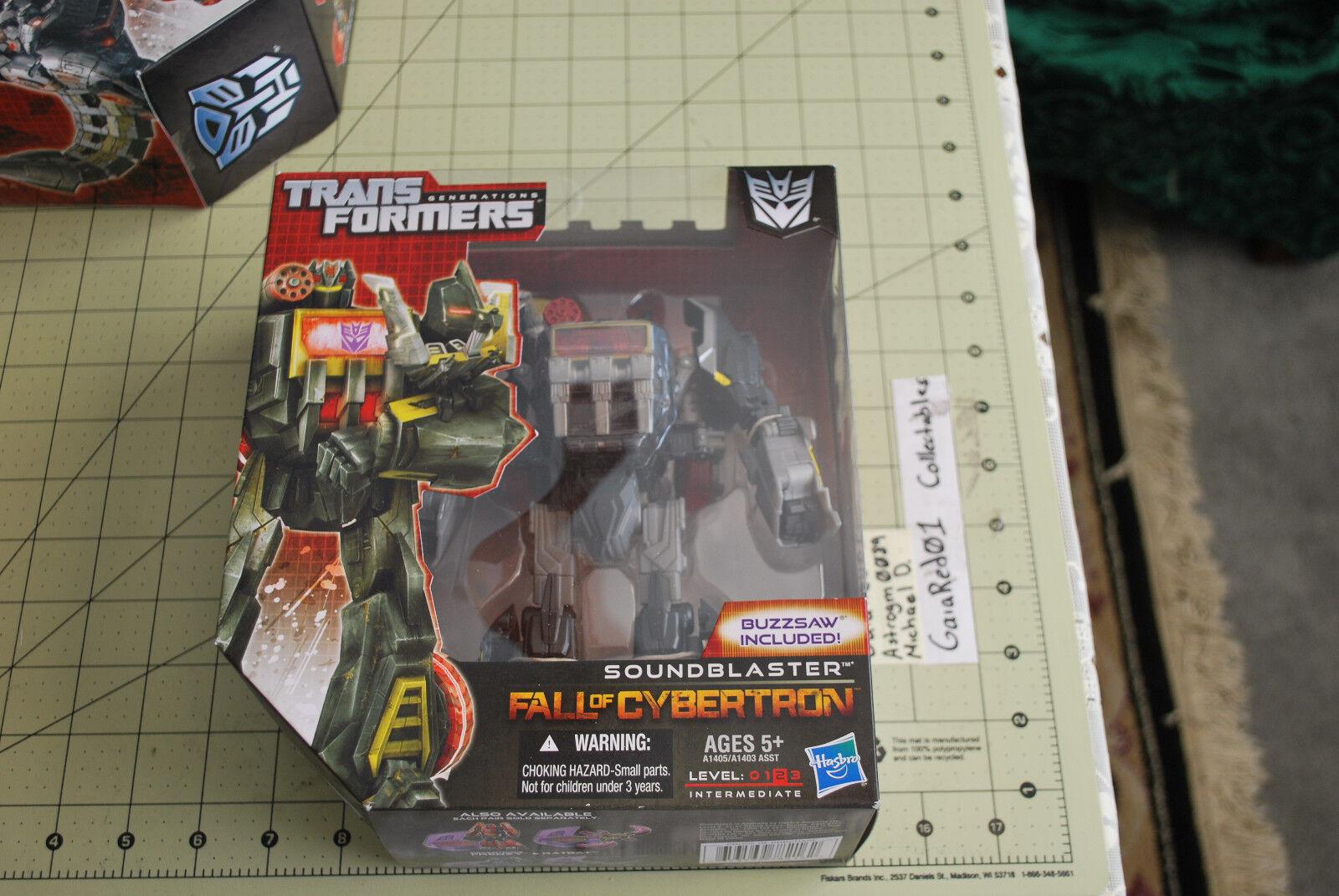 Hasbro Transformers Generations Fall of Cybertron Voyager Soundblaster