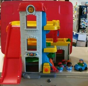 Fisher Price Little People Fun Sounds Garage With 4 People 1 Car Ebay