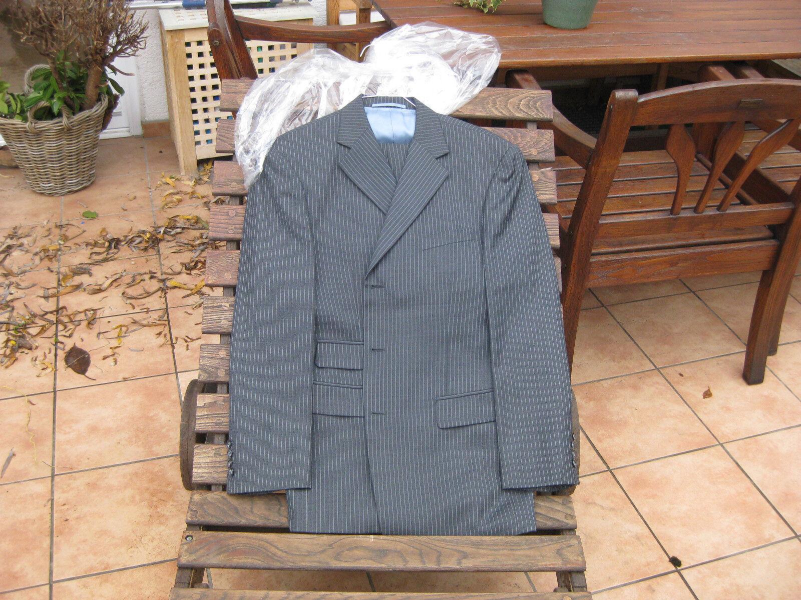 Herren Mass Anzug aus Hong-Kong Größe 48 grau mit taubenblauen Nadelstreifen top