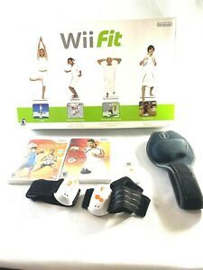 Official Nintendo Wii Fit with Balance Board 3 Games BUNDLE, Console Tested