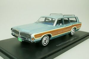 Ford-Ltd-Country-Squire-Estate-1968-Blue-Wood-Decor-1-43-Neo-47300-New