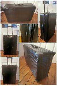 RIMOWA Essential Check-in Koffer Gr M (71cm) Schwarz Salsa Trolley Reisekoffer