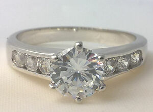 G-Filled-Ladies-18ct-white-gold-simulated-diamond-engagement-ring-wedding-size-9
