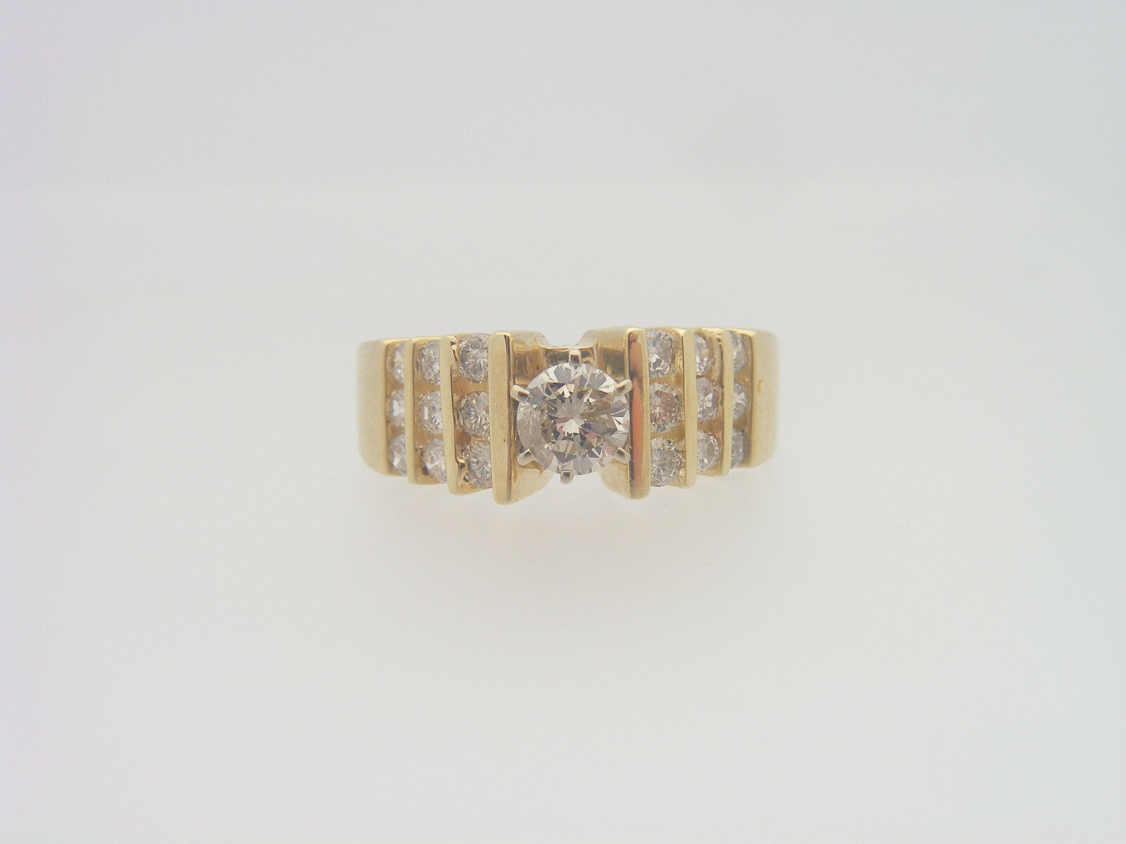 1.00 CARAT TOTAL WEIGHT ROUND CUT DIAMOND ENGAGEMENT RING YELLOW gold 14K