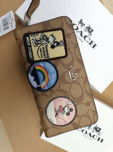 Authentic-Coach-Accordion-Zip-Wallet-in-Signature-Canvas-with-Minnie-Mouse-Patch