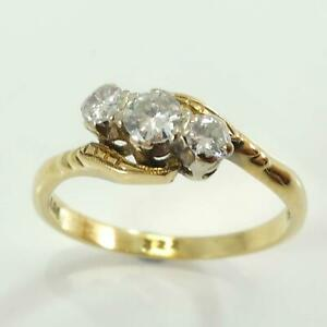 Pre-Owned-18ct-Gold-amp-Platinum-3-Stone-Diamond-Twist-Ring