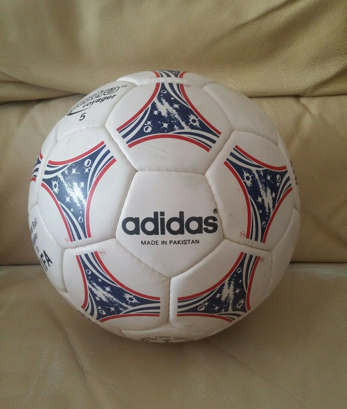 ADIDAS QUESTRA VOYAGER RARE BALL - MADE IN PAKISTAN - OFFERS WELCOME