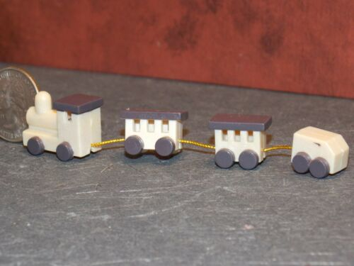 Dollhouse Miniature Train Set Toys 1:12 one inch scale H117 Dollys Gallery