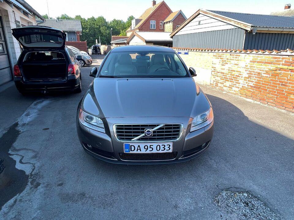 Volvo S80 2,4 D5 Summum aut. Diesel aut. Automatgear