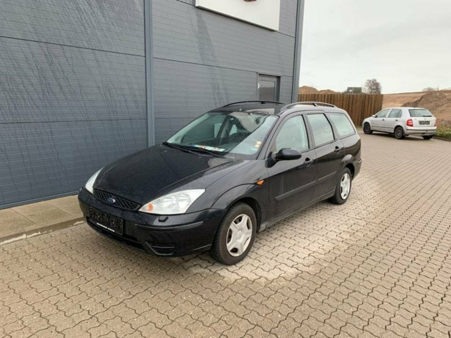 Ford Focus 1,6 Trend stc. 5d - 9.500 kr.
