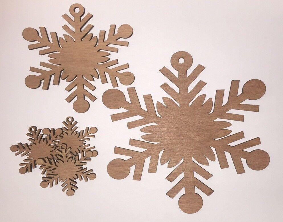 Fiocco di neve decorativi in legno forme forme forme Craft 3mm Albero Natalizio in compensato tagliati al laser 58309c