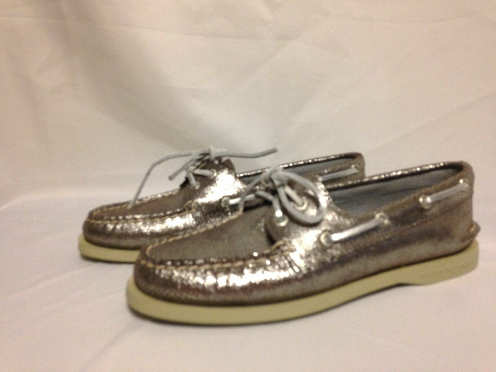 Sperry Top Sider A O 2 Eye Boat shoes 6.5 M Silver Metallic Snake  New w Box