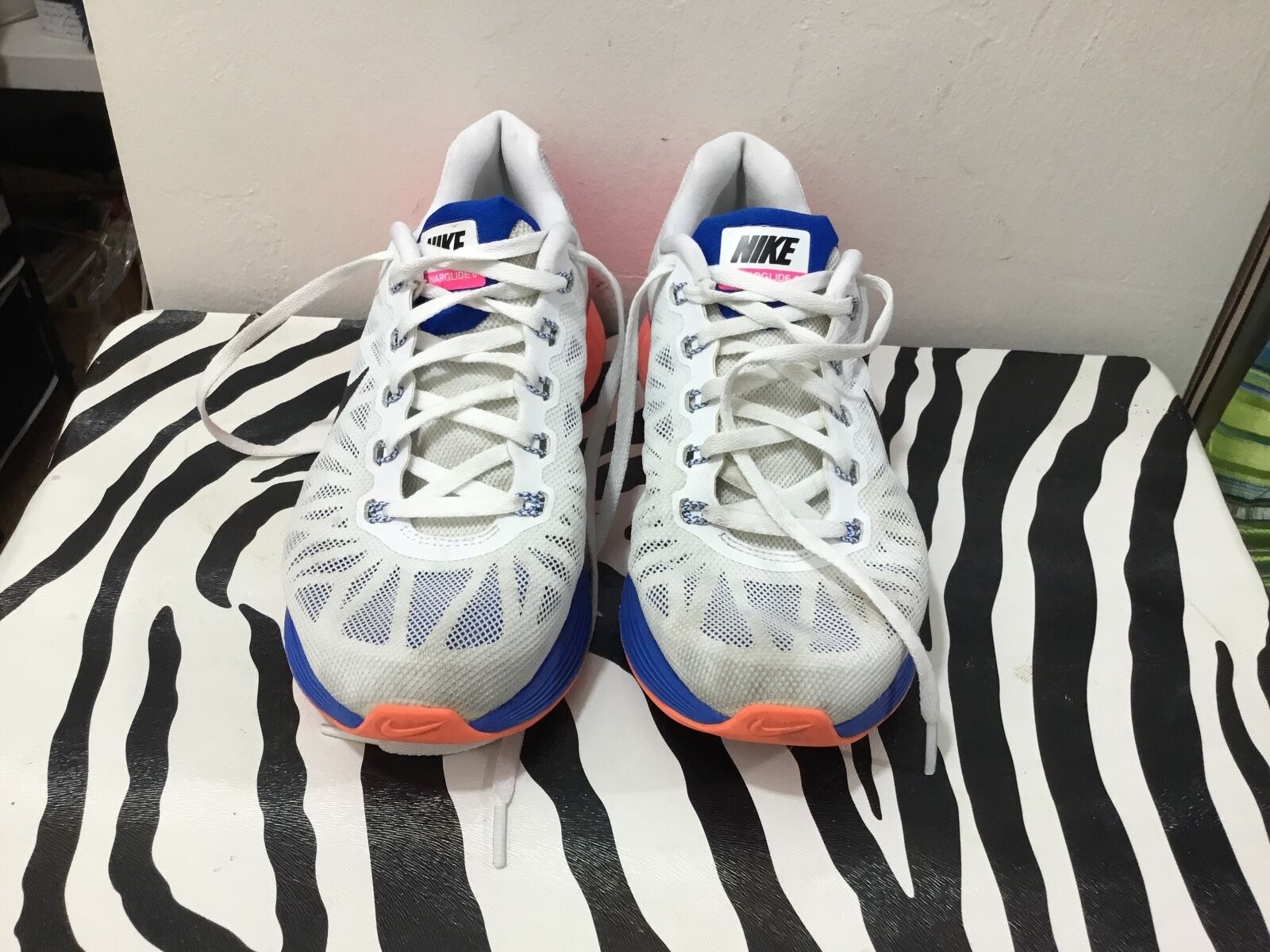 Nike ladies size 7 1/2 lunar glide six athletic shoes
