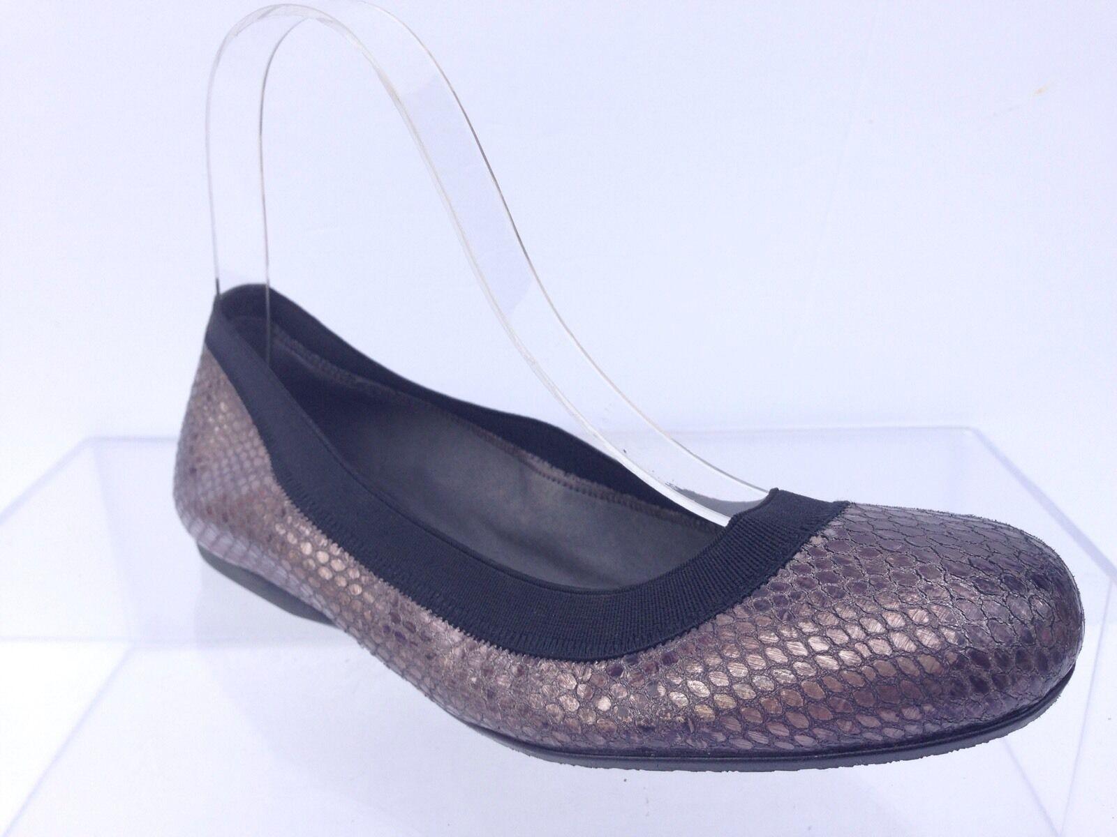 femmes Stuart Weitzman leather pewter snakeprint ballet flats  chaussures sz. 5.5