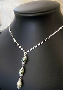 A-3-Tier-Elegant-FOREST-GREEN-Pearl-Pendant-on-Silverplated-Necklace-Chain