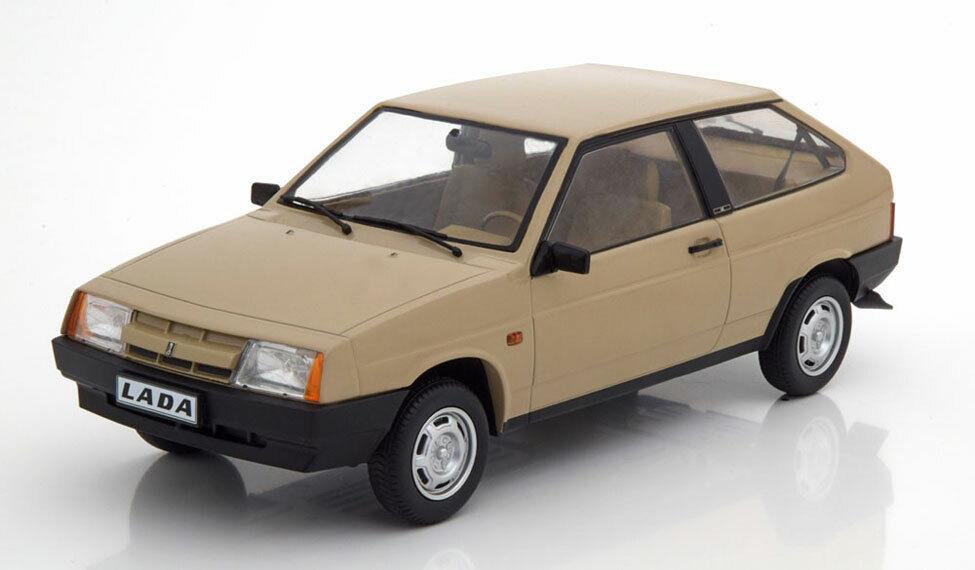 Lada Samara 1985 Beige 1 18 Model KK SCALE