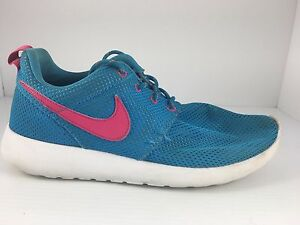 buy popular 8cae1 a46c6 Image is loading NIKE-Girls-Roshe-Run-GS-Size-5-5-