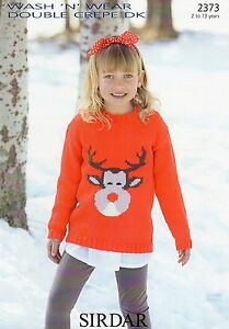 Childrens 2-6 years Xmas Button-Nose Reindeer Jumper Hat /& Mitts to Knit