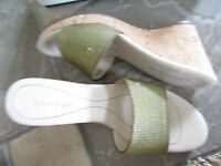 Etienne Aigner Deplume Green Slide Sandals Womens 8 Cork Wedge