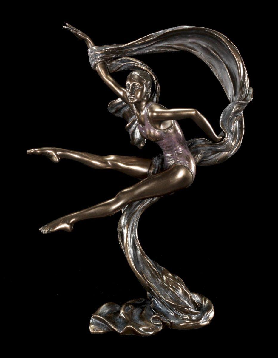 Gymnastik Figur weiblich - Bändertanz - Veronese Tänzerin Deko Statue