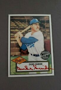 2001-Topps-Heritage-Autographs-Red-Ink-THADS-Duke-Snider-SN-02-52