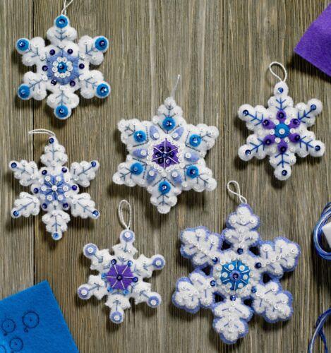 Bucilla Brillo Copos De Nieve ~ 6 PCE Fieltro Navidad ornamento kit #86724 Azul Blanco