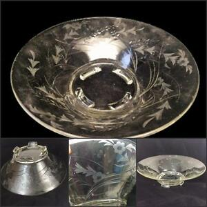 Elegant-Glass-Vtg-Etched-Console-Centerpiece-Crystal-Bowl-4-Toe-Paddle-Feet