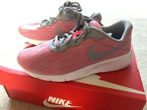366fe197b4687 Details about [859617-601] Nike Girls Tanjun SE Sneakers HotPunch/WolfGrey  Size 4Y