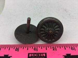 2 Pieces Lionel parts ~ Gear Wheel with Axle